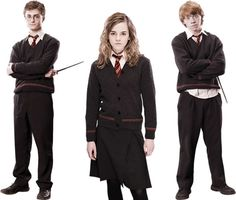 In warner bros. chose lochaven to supply all the hogwarts school cardigans, jumpers and tank tops worn by the cast and extras in the iconic harry Harry Potter Uniform, Harry Potter Cardigan, Harry Potter Kostüm, Hogwarts Uniform, Making Of Harry Potter, Harry Potter Cosplay, Harry Potter Outfits, Harry Potter Birthday, Harry Potter Characters