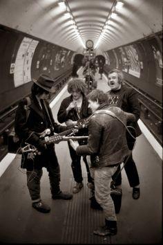 Bob Mazzer - London's Tube 70's