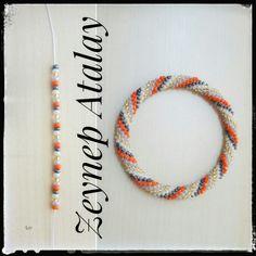 Crochet Beaded Bracelets, Beaded Jewelry Patterns, Loom Bracelets, Bead Crochet, Handmade Bracelets, Beaded Necklace, Bead Jewellery, Loom Beading, Glass Beads