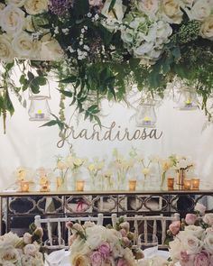 Beautiful wedding flowers by @grandirosa at @bridestheshow! Check out my new YouTube video for footage of their and lots of other florists' stands at the show - @maryjanevaughan @hidinginthecityflowers @zita_elze @philippacraddock & @byappointmentonlydesign.