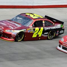 Jeff Gordon drives his way into the chase, putting all 4 HMS drivers in contention for a championship.