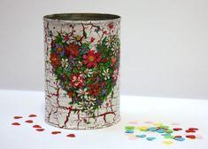 Mini darček - postup na servítkovú techniku a krakel, Servítková technika, fotopostup - Artmama.sk Decoupage Tins, Tin Can Alley, Altered Tins, Craft Fairs, Techno, Glass Vase, Planter Pots, Crafts For Kids