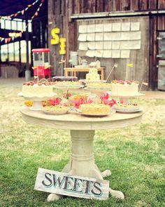 DIY Carnival Wedding  Pie instead of cake...I like it!  #treswedding