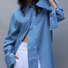 Likes, 16 Comments - Patri . Fashion Details, Look Fashion, Diy Fashion, Fashion Outfits, Womens Fashion, Fashion Design, Style Casual, My Style, White Shirts