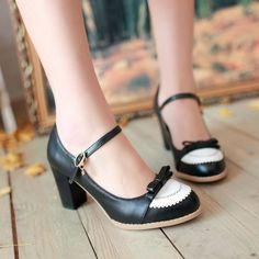 Womens Retro Girls Lolita Bow mary Janes Pump Vintage Shoes High Heels Plus Size Pump Shoes, Women's Pumps, Shoes Heels, Platform Pumps, Mary Janes, Lolita Shoes, Frauen In High Heels, Mary Jane Pumps, Vintage Shoes