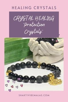 Perfect healing crystal aromatherapy bracelet since Black Onyx will absorb from the Universe energies that are required for your specific healing. It balances the yin yang within you. Black Onyx healing crystals give you strength when you need it, providing you with mental or physical support.💪 Aromatherapy Jewelry, Diffuser Jewelry, Crystal Bracelets, Black Onyx, Crystal Healing, Essential Oils, Gemstones, Crystals, Crystal