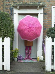 Strawberry Cake inspiration from @Hilari Neitzey Schaefer #summerofshakes  Pink Umbrella