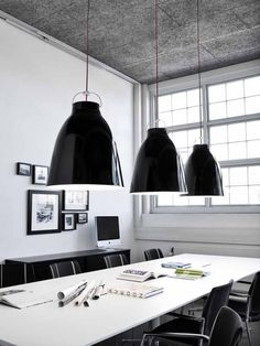 Oversize lighting via Papernstich