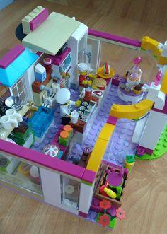 Lego Girls, Lego For Kids, Legos, Lego Humor, Lego Dinosaur, Best Lego Sets, Lego Friends Sets, Lego Furniture, Lego Creative