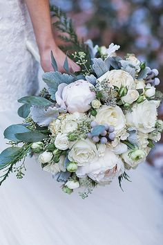 silver grey wedding bouquets 1