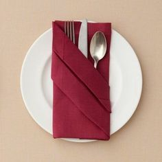 Servietten falten Anleitung Bestecktasche basteln