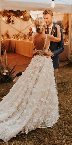 Country Style Wedding Dresses, Dream Wedding Dresses, Country Weddings, Romantic Weddings, Unique Weddings, Indian Weddings, Country Dresses, Wedding Dress Not White, Classy Wedding Dress