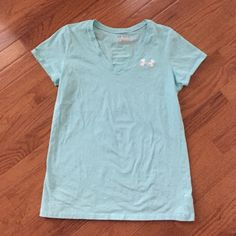 Shop Women's Under Armour size L Tops at a discounted price at Poshmark. Description: Under Armour Semi Fitted Heat Gear Shirt Size: Large Cotton Like New. Eyelet Top, Fashion Design, Fashion Tips, Fashion Trends, Under Armour Women, Shirts, Mens Tops, Cotton, Outfits