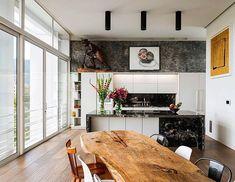 DISEÑO DELICIOSO: 5 COCINAS ABIERTAS PARA ABRIR EL APETITO  Espacios abiertos, espacios deliciosos. AXXIS elige cinco cocinas contemporáneas en donde el aire circula libremente entre maderas, mármoles, acero y propuestas de diseño para abrazar el estilo de vida moderno colombiano. Conozca más entrando a REVISTAAXXIS.COM.CO  #cocinasaxxis #50espaciosdeaxxis #cocinasdediseño #cocinasabiertas #28añosdeaxxis #revistaaxxis  Foto: @ivanortiz_ponce Kitchen, Table, Furniture, Home Decor, Diy, Rustic Homes, Framed Wall, Open Kitchens, Contemporary Kitchens