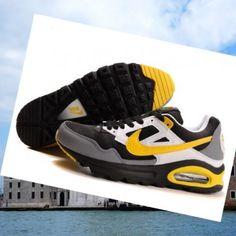 brand new 6fe7a 2d3f0 Fedele al tipo classico Nike Air Max Skyline Uomini Trainers nero   bianco    gituttio camminare per le strade, 2.015 di prezzi popolari