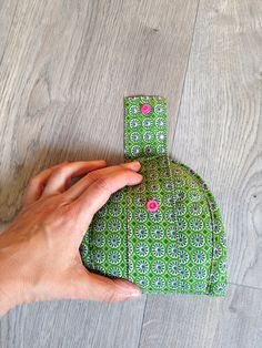 Travel slippers – CosIadoru – New Year Crochet Christmas Gifts, Crochet Gifts, Travel Slippers, Mommy Workout, Creation Couture, Labor, Couture Sewing, Hacks Diy, Pin Cushions