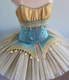 vestuario del ballet esmeralda - Buscar con Google