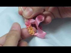 BORDADO EN CINTA.......                        ▶ Ribbon Embroidery幸子玫瑰花yukiko rose stitch - YouTube