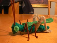 Grasshopper - 50  Pipe Cleaner Animals for Kids, http://hative.com/pipe-cleaner-animals-for-kids/,
