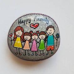 Pebble Painting, Hand Painting Art, Pebble Art, Stone Painting, Stone Crafts, Rock Crafts, Pierre Decorative, Art Rupestre, Rock Family