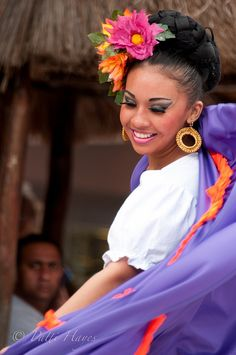 Traditional Mexican Dancer by ❀Patti-Jo, via Flickr