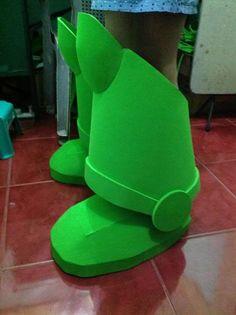 the RPF Buzz Lightyear boots Buzz Costume, Buzz Lightyear Halloween Costume, Toy Story Halloween Costume, Toy Story Costumes, Halloween Fun, Costume Ideas, Wings Tutorial, Disfraz Buzz Lightyear, Peter Pan Costume Kids