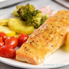 Sheet Pan Honey Mustard Salmon with Veggies Easy, flavorful, colorful, healthy dinner! Healthy Salmon Recipes, Fish Recipes, Seafood Recipes, Healthy Dinner Recipes, Vegetarian Recipes, Salmon Empapelado, Salmon Dinner, Honey Mustard Salmon, Bread Recipes