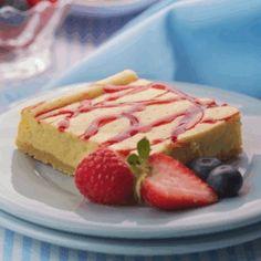 Recipe Light Berry Swirl Cheesecake - Nestle Family ME Cheesecake Bars, Cheesecake Recipes, Dessert Recipes, Desserts, Fruit Dishes, Tasty Dishes, Condensed Milk Cookies, Pistachio Cake, Recipe Using