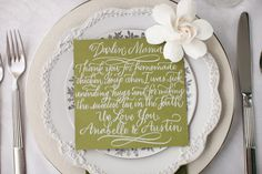 personal notes to each guest at place settings | I LOVE THIS IDEA!