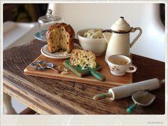 Dried Raisins Panettone - Dollhouse Food Miniature