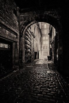 Edinburgh, Scotland - Dead of Night The Places Youll Go, Places To See, Foto Gif, Dark City, Old Street, All Nature, Nocturne, City Streets, Street Photography