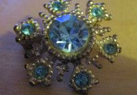 "New Listing Started vintage silvertone small brooch with deep turquoise stones 1""across £1.55"