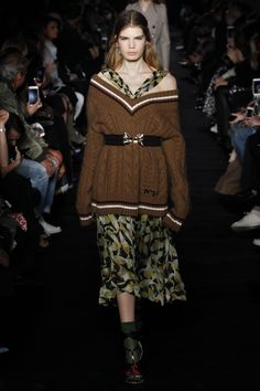 21 Fall 2017 Ready-to-Wear Fashion Show Collection Knitwear Fashion, Knit Fashion, Fashion Week, Fashion 2017, Fashion Brand, Love Fashion, Runway Fashion, Winter Fashion, Fashion Show Collection