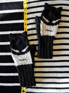 Batman mittens kaksneljaseitteman.blogspot.fi/