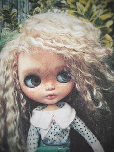 Basilea ~ custom doll ~ ooak ~ fashion doll ~ blythe doll ~ big eyes ~ mohair reerot hair .