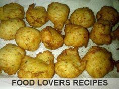 MIELIEMEEL ONTBYT POFFERTJIES South African Recipes, Ethnic Recipes, Corn Fritters, Recipe Filing, Light Recipes, Quick Meals, Green Beans, Yummy Food, Yummy Recipes