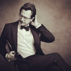 """""""I wanted to play Dracula because I wanted to say... I've crossed oceans of time to find you."""" ~Gary Oldman"""