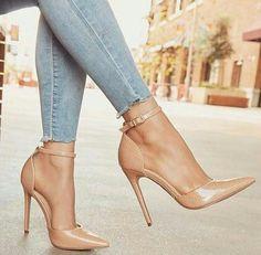 Ich liebe Schuhe Ich liebe Schuhe The post Ich liebe Schuhe appeared first on Fila Schuhe. Cute Heels, Lace Up Heels, Pumps Heels, Stiletto Heels, Nude Pumps, Pretty Shoes, Beautiful Shoes, Heeled Boots, Shoe Boots
