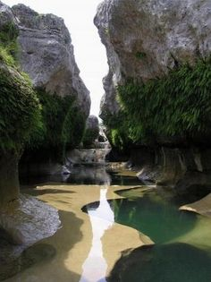 The Narrows, Hill Country, Texas. Beautiful! Can't wait to go here in 2013!