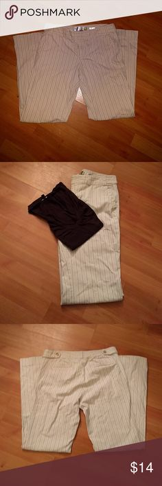 Old Navy Stretch Low Waist Pants These pants, from Old Navy, are a cream color with vertical stripes of soft brown. They are comfortable to wear and easily dressed up or down. They are a wide legged pant in size 8. Old Navy Pants Wide Leg