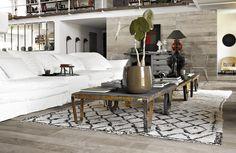 wooden texture porcelain tile design, floor design, flooring CERAGRES (flooring) loving the cement + raw (wood) trend Style Loft, Interior Decorating, Interior Design, Attic Design, Loft Design, Gray Interior, Room Interior, Deco Design, Home Fashion