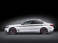 2017-BMW-5-Series-Sedan-side