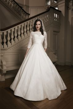 How To Look 5 lbs Lighter In A Justin Alexander Wedding Dress Learn how to look 5 pounds lighter in a Justin Alexander wedding dress without having to step into a gym or  purchase a juicer.