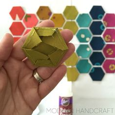 How to make modern hexies - shows how to make, glue, sew and then quilt