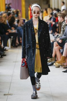 Miu Miu Spring 2018 Ready-to-Wear Collection Photos - Vogue