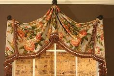 Pull-Up Valance Sewing Pattern by Pate Meadows Designs