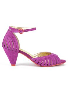 What are your thoughts on the style, Ladies?  These Seychelles come in three colors that would work (this pink, yellow and a green, but it looks blue) I know these specific shoes are pricey, but something along this line are cute.