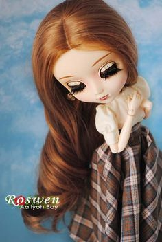 Roswen (eyelids and outfit by Aaliyoh Boy)