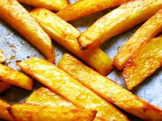 Frites light au four Creme Caramel, Tiramisu Nutella, Salad Dishes, Omelette, Food Inspiration, Sweet Potato, Carrots, Food And Drink, Cooking Recipes
