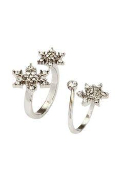 Pack de 2 anillos con strass: Anillos de metal en tamaños y diseños diferentes con strass. Ajustables.